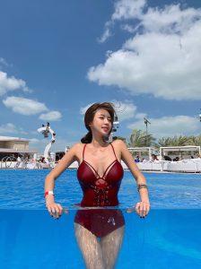 Kwon Byul – Deep Crimson Swimsuit