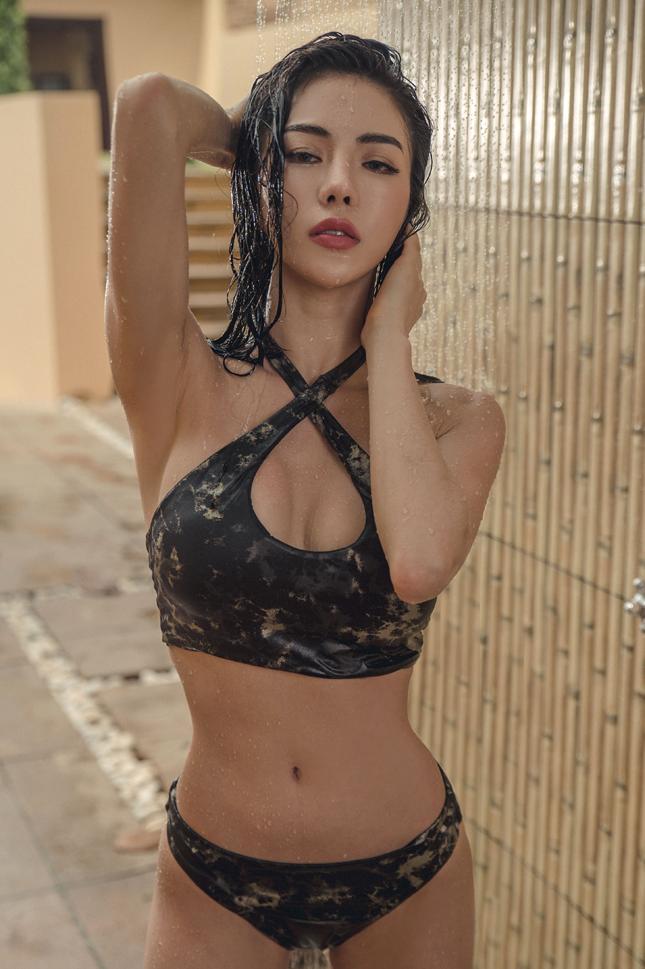 An Seo Rin – Swimwear – 06.05.2017