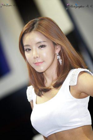 Hwang Ri Ah