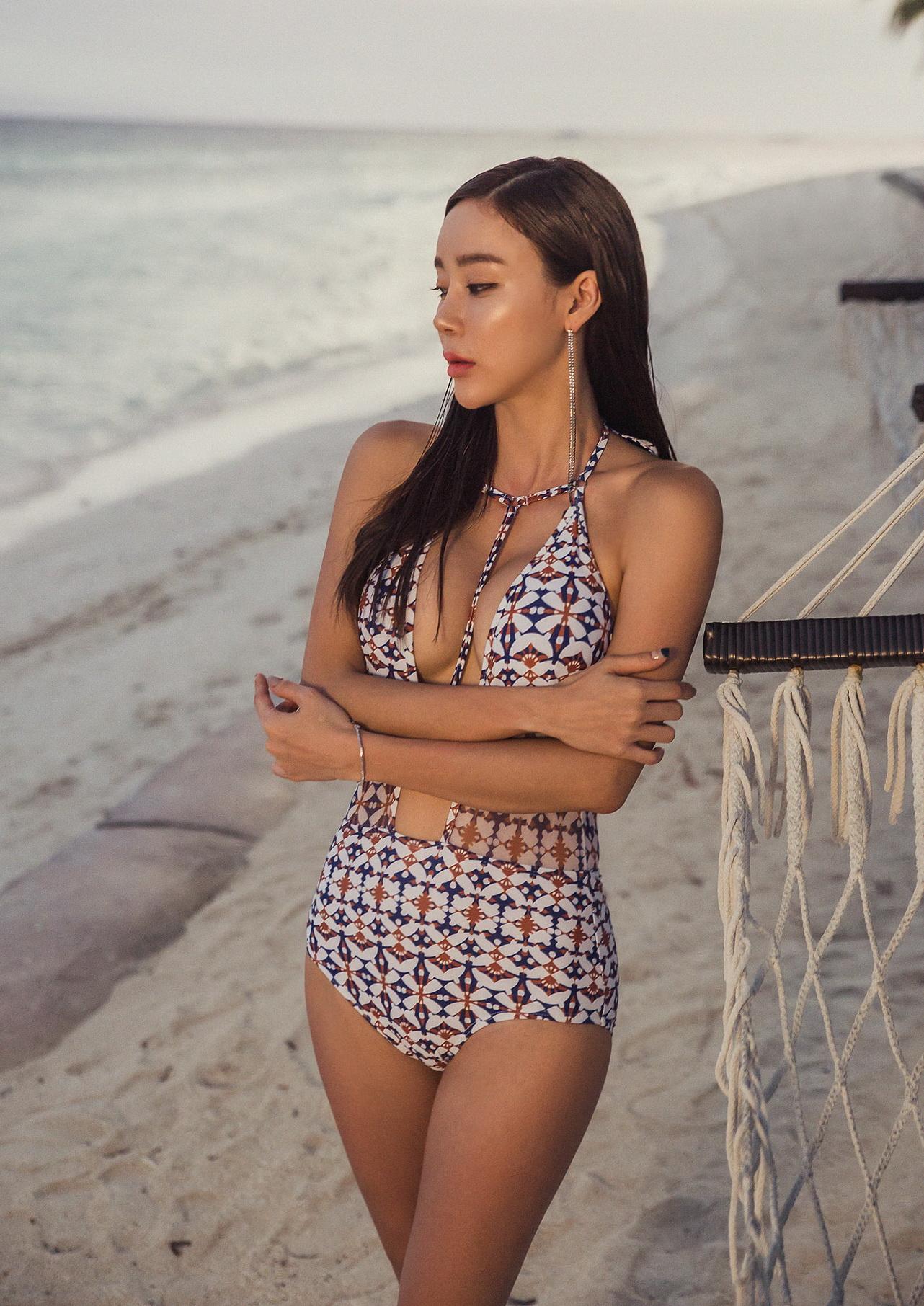 Hyun Kyung – MoodChick Monokini