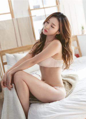Seo Yeonsu – Brown n Blue Innerwear