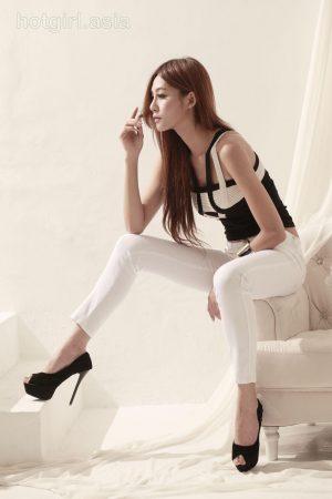 [BEAUTYLEG Fanwai Pian] Winnie Xiaoxue-City One + White Theme Room Photo Shoot