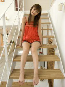 [Bomb.TV] Yuko Ogura 2009-08