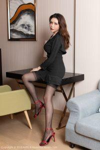 [IMiss 爱 蜜 社] Vol.300 Model @ 夏小秋 秋秋 Stockings beautiful legs photo