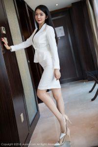 [XIUREN 秀 人] No.1209 Goddess @Angela 小 热 巴 Sensual secretary OL photo