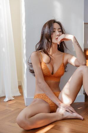 Lingerie Set – Kim Bo Ram – 04.01.2018