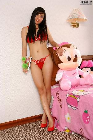 [The Black Alley] Vanessa Tang Pink Swimwear Photo Collection