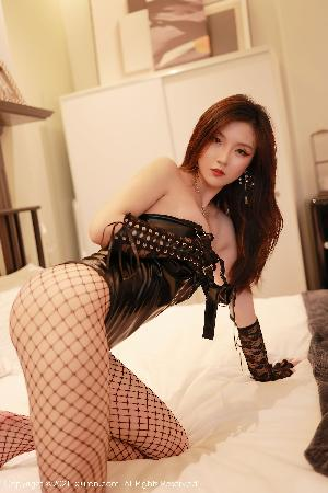 [人 xiuren] no.3590 Liu Ailin Allen – Seductive leather and charm socks